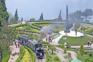 Darjeeling - Honeymoon Destinations in India