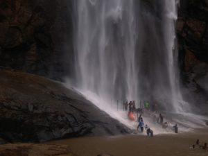 Agaya Gangai Falls - Best Waterfalls Near Chennai