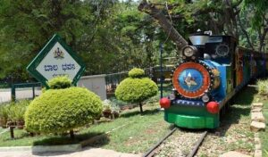 Toy train and picnic in Cubbon Park-Exciting Things To Do in Bangalore
