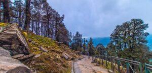 Deoria Tal - Tourist Places in Kedarnath
