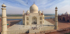 Conspiracy on cutting artisans hands - Interesting Unknown Facts About Taj Mahal