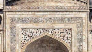 Made up of precious stones - Amazing Facts About Taj Mahal