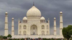 Minarets - Amazing Facts About Taj Mahal