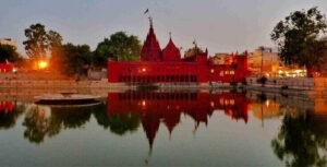 Shri Durga Temple - Best Places To Visit in Varanasi For Couples